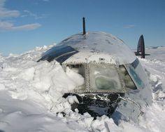 Les restes du Pegasus à McMurdo Sound, Antarctique.