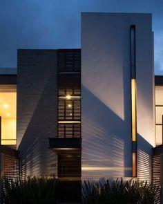 Sps+Sinapsis arquitectos houses in 2019 architecture, modern villa design, Architecture Design, Facade Design, Residential Architecture, Exterior Design, Casa Top, Modern Villa Design, Small House Exteriors, Design Typography, Modern Mansion