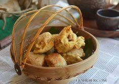 Hasil gambar untuk tahu isi Tahu Isi, Sambal Recipe, Diah Didi Kitchen, Shrimp Paste, Indonesian Cuisine, Snack Recipes, Snacks, Rice Vinegar, Fish Sauce