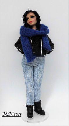 Chica estilo Jessica Jones, totalmente cosmopolita.  Escala 1/12