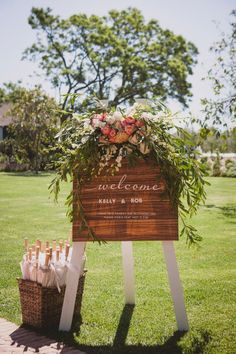 Welcome sign | Seven Swans Stationery | image by Gavin Casey | flowers Fleur le Cordeur | coordination Someday Soon