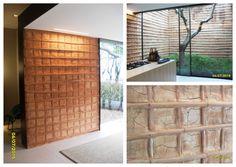 Parede de Pau-a-pique. Hall de entrada, cozinha e jardim. Ambiente de Roberto Migotto.