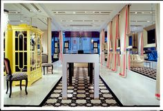 Ivanka Trump's NYC jewelry store. Sophisticated store design and restrained pops of color give this store a modern feel.