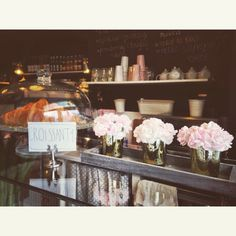 Croissant  #croissant #flowers #cafe