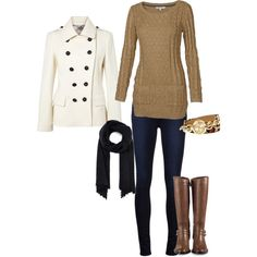 The perfect fall outfit when it is cold outside. Warm and neutral, that's the way to go!