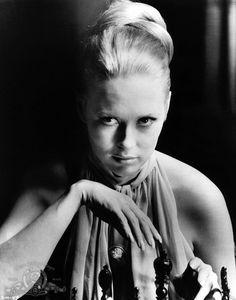 Still of Faye Dunaway in The Thomas Crown Affair (1968)