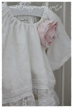 Oma koti onnenpesä Romantic Clothing, Romantic Outfit, Daughters, To My Daughter, Tea Stains, White Cottage, Children Clothes, Pink White, Spice
