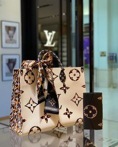 This beauty: Onthego LV Jungle 🖤 louis vuitton bag, chanel bag, gucci bag, hermes bag Popular Handbags, Cute Handbags, Cheap Handbags, Chanel Handbags, Fashion Handbags, Purses And Handbags, Leather Handbags, Wholesale Handbags, Fashion Purses
