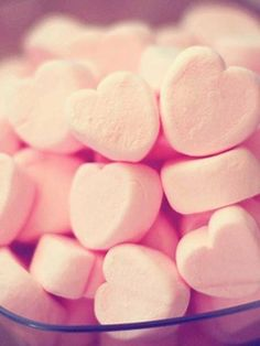 Inspiring image marshmallow, heart, cute, pink, food by korshun. Resolution: Find the image to your taste! Valentines Day Treats, Chocolate Factory, Love Food, We Heart It, Happy Heart, Food Porn, Pink Hearts, Sweet Hearts, Marshmallows