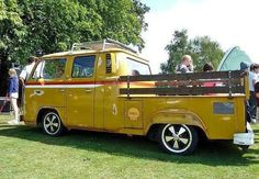 T2 T3, Combi Vw, Panel Truck, Bus Station, Volkswagen Bus, Busses, Beetlejuice, Vw Beetles, Vintage Cars