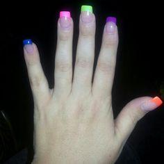 Man I want my fake nails back....so pretty