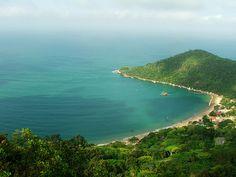 Praia de Laranjeiras, Balneario Camboriu.  Pensar que yo estuve en esa belleza de lugar :)
