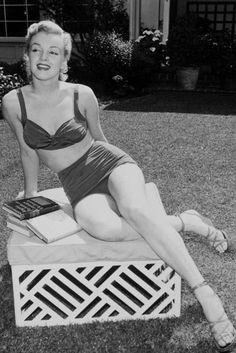 Marilyn Monroe 1950 photographed by Earl Leaf