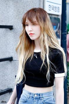 Seulgi, Wendy Red Velvet, Red Velvet Irene, South Korean Girls, Korean Girl Groups, Velvet Fashion, Girl Inspiration, Ulzzang Girl, Korean Beauty