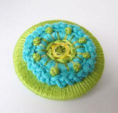 dorset button with crochet