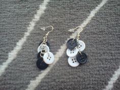 Brincos com botões, preto/branco