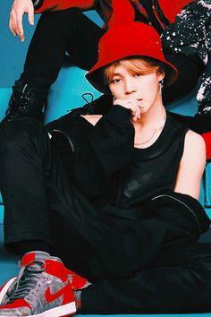 This look is the cause of my death Park Ji Min, Busan, Foto Bts, Bts Bangtan Boy, Bts Jimin, Bts Face, All Bts Members, The Scene, I Love Bts