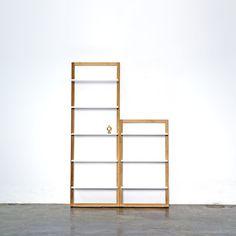 Angle storage från Department. Angle bokhylla är lättplacerad och lämpar sig som...