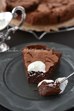 Chocolate cake without flour-Schokoladenkuchen ohne Mehl Chocolate cake without flour. Paleo Dessert, Dessert Recipes, Law Carb, Sweets Cake, Food Cakes, Cup Cakes, Low Carb Desserts, Cakes And More, Cake Cookies