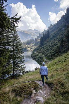 Mettmenalp - ein Ausflugstipp im Glarnerland Winterthur, Hotels, Der Bus, Mountains, Nature, Travel, Good Hiking Boots, Day Trips, Beautiful Landscapes