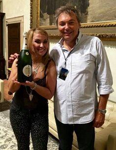 Anastacia celebrating with Franciacorta Berlucchi 61 in the backstage of her concert in Brescia, July 2015. #BerlucchiMood