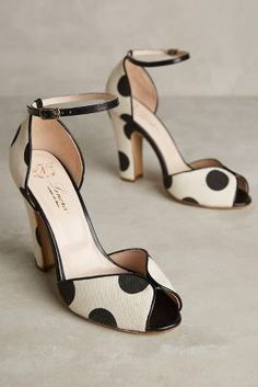 Nora Scarpe di Lusso Gilda- love the lines and pattern  http://www.anthropologie.com/anthro/product/38347324.jsp?color=014&cm_mmc=userselection-_-product-_-share-_-38347324