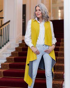 Das KUKLA sunny side up  Dein Farbklecks an grauen Dezembertagen   Schon mega cool wie viele unterschiedliche Looks man mit einem einzigen KUKLA und einem Clip kreieren kann  Gewickelt - gefaltet - geklippt und fertig ist der neue individuelle KUKLA-Style  Dabei muss das KUKLA nicht immer geklippt werden. Es kann auch richtig gut aussehen wenn du es ganz lose als Weste überwirfst  Was meinst du?  #madamekukla #style #fashion #outfit #dress #madeineurope #sustainable #sustainablefashion… 60 Fashion, Clips, Every Woman, Wrap Dress, Women Wear, Outfit, My Style, Skirts, How To Wear