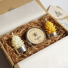 beeswax candle for gift Honey Packaging, Candle Packaging, Candle Labels, Beeswax Candles, Diy Candles, Beeswax Recipes, Diy Beeswax Wrap, Honey Shop, Christmas Soap