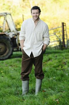 It goes to show that true style improves with age. When working in the fields in the Lee Valley West Cork,the traditional farmer favoured this collarless shirt as he had little use for neck ties. Over the years there have been a few variations of this style with an array of fabrics.  Time-honoured craftsmanship and traditional fabrics working in harmony to create a genuine look and feel to our Linen range of grandfather shirts.