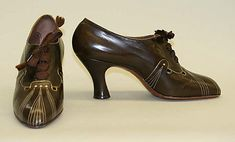 """1930s shoes are so """"me"""" I love the art-deco stitchery trim. Those are some seriously stylish high-heeled oxfords."""