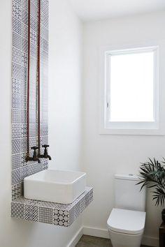 28 Design Tips to Make a Small Bathroom Better   HOMEDECORT