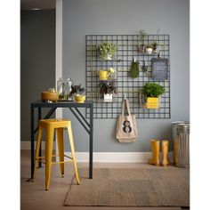 I like the wall trellis - possible for office. Hang kitchen baskets on a mounted wall trellis and fill with plants for an indoor vertical garden. Decor, Wall Trellis, House Design, Interior, Kitchen Baskets, Kitchen Decor, Apartment Decor, Modern Interior Design, Modern Interior