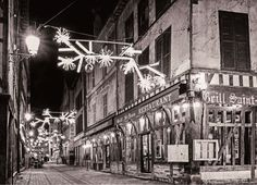 A Troyes, la rue Molé avec le grill Saint Jean