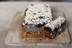 Fotorecept: Ovsený koláč so slivkami a chia semienkami