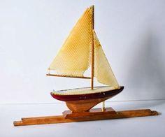 bee art: sailboat