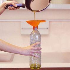 El aceite usado en la cocina o en similares labores culinarias supone un grave peligro medioambiental. Te contamos por qué y qué ventajas tiene reciclarlo.