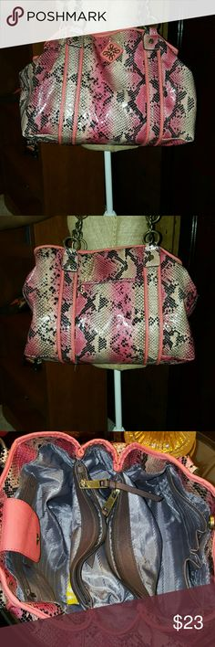 Vera Wang large tote Peach and tan snake print with chain strap 5 compartment so this bag can carry a good amount of your stuff picture show small damage on inside of flat Vera Wang Bags Totes