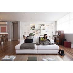 Open house - Gabriela Junqueira. Veja: http://www.casadevalentina.com.br/blog/detalhes/open-house--gabriela-junqueira-3020 #decor #decoracao #interior #design #casa #home #house #idea #ideia #detalhes #details #openhouse #style #estilo #casadevalentina #livingroom #saladeestar