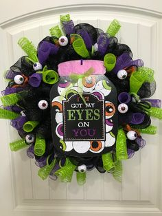 Using only $15 in materials found at Dollar Tree, Hobby Lobby and Michaels, let's make a wonderful wreath for Halloween in this DIY tutorial.