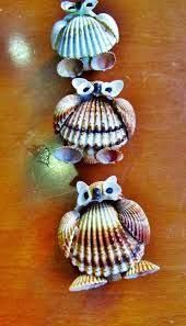 Resultado de imagem para imagenes de barquitos hechos con conchas marinas Seashell Display, Seashell Ornaments, Seashell Art, Seashell Crafts, Crafts To Make And Sell, Diy And Crafts, Arts And Crafts, Sea Crafts, Cute Crafts