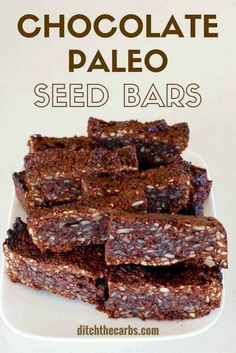 Sugar free chocolate paleo seed bars - an awesome healthy snack and perfect for school lunches. | ditchthecarbs.com