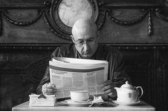 Leyendo en la calle, el libro de fotografía callejera de Javier Calvo