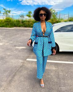 Need to add some latest style to your wardrobe? Here are some exquisite Ankara styles, African dresses, latest African fashion designs, Ankara outfits pictur. Unique Ankara Styles, Latest Ankara Styles, Latest African Fashion Dresses, African Print Dresses, African Dresses For Women, African Print Fashion, African Wear, African Attire, African Style