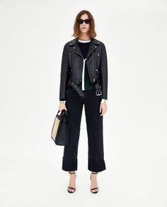 Discover the new ZARA collection online. The latest trends for Woman, Man, Kids and next season's ad campaigns. Surf Style, My Style, New Fashion, Surf Fashion, Fashion Styles, Zara Women, Latest Trends, Personal Style, Jackets For Women