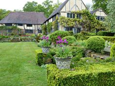 Before Vita Sackville-West and Harold Nicolson began to create their now world-famous garden at Sissinghurst Castle, they had a starter garden. Long Barn, an old Kentish house in Sevenoaks