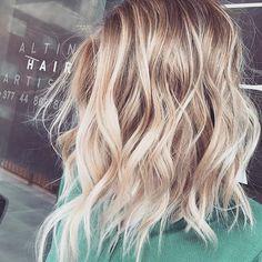 ✨ concave ✨. Beautiful, textured short strands via @altinhairartist. Happy weekend  everyone . .   #hairgamestrong #shorthairlove #hairinspo #haircrush #hairposts #maneenvy #hairgoals