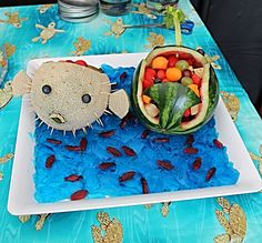 Cantaloupe puffer fish and watermelon whale :-) Watermelon Whale, Watermelon Carving, Mermaid Birthday, Girl Birthday, Beach Theme Food, Alligator Party, 4th Birthday Parties, Birthday Ideas, Octonauts Party