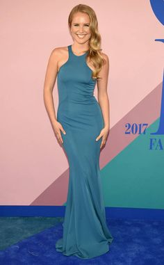 The Victoria's Secret Angel sparkles and shines on the red carpet in her Jason Wu dress.