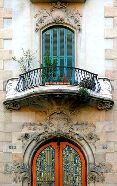 Barcelona - Gran Via 633 b   Modernisme