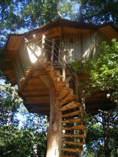 Nice 167 Tree House Design Ideas Your Kids Would Love Cool Tree Houses, Fairy Houses, Play Houses, Image Tatoo, Tree House Designs, Unusual Homes, Tree Tops, In The Tree, Log Homes